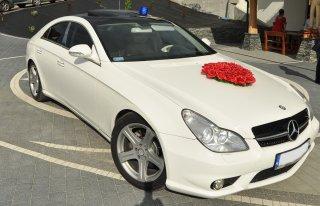 Samochód Auto Mercedes CLS biały do ślubu  Wiśniowa