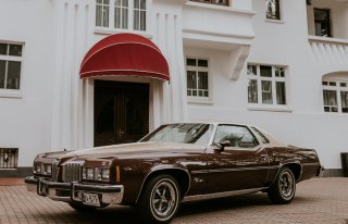 Auto do ślubu - Ponadczasowy i niepowtarzalny Pontiac GP  Olsztyn