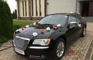 Limuzyna do ślubu Chrysler 300 C wynajem auta wynajem limuzyny Sulejówek