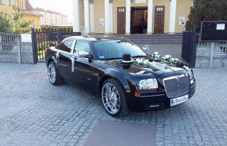 Śliczny Chrysler 300c raszyn