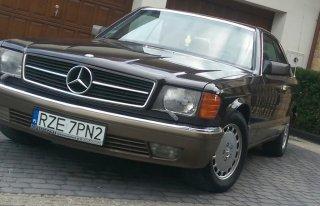Mercedes 560 SEC, PARA MŁODA SAMA PROWADZI!! Boguchwała